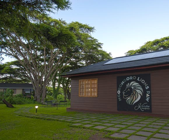Lion's Paw Camp